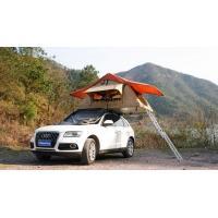 Les tentes de dessus de toit de camping de la jeep 4WD complètent l