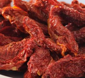 China Healthy Organic Dried Tomatoes Half Cutted Size Open Air Cultivation Type on sale