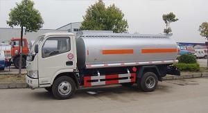 China 6000 liters oil tanker truck, fuel transport truck on sale