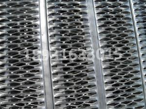 China stainless steel Perforated metal stair treads/ anti skid perforated traction tread on sale