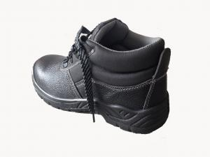 China Slip Resistant Shoes / Non Slip Work Shoes With Black Real Leather Upper on sale
