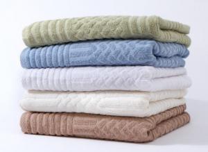 China 100% cotton jacquard wet cotton towel on sale