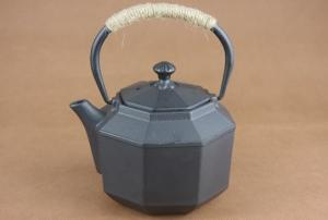 China Black Octagonal Chinese Cast Iron Teapot With Infuser 800ml on sale