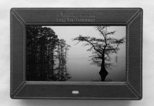 China Leather 7 Inch Video High Resolution Digital Picture Frame With Remote Control on sale