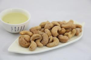 China Honey Butter Cashew Nut Snacks Sweet Flavor NON - GMO With Health Certificates on sale