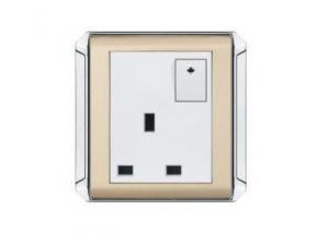China 10A / 13A / 15A / 16A 250V 1 Gang Switched 3 pins British type Electrical Wall Socket on sale