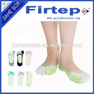 China Custom Cozy Colorful Toe Socks Five Fingers Socks Yoga Socks on sale