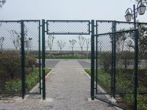 China Chain link fence door, Chain link fence gates on sale