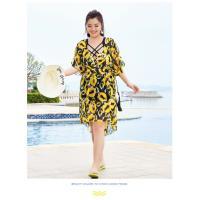 China style bikini three-piece swimsuit female blouse sunscreen gather Korean version of the corner hot spring swimsuit on sale