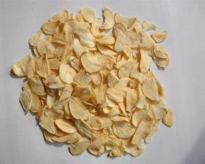China Dehydrated garlic flake on sale