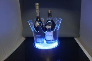 China 2014 New Model Led Ice Bucket with 7 color changing,Led ice buckets for bar,garden on sale