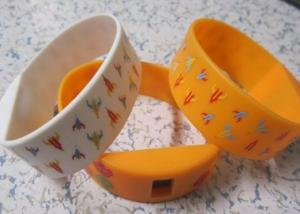 China Yellow Silk Printed 2.25cm Width Silicone Sports Wristband Watches for Adverting Gift on sale
