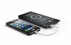 China Portable 5Volt IPhone Wireless Mobile Charger 5000mAh With AA Battery on sale