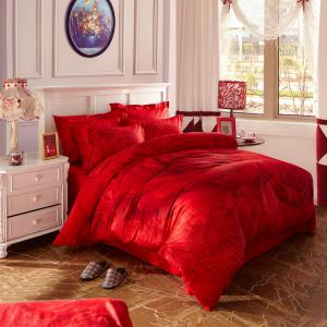 China Most Comfortable 4 Piece Bedding Set For Wedding Bedroom Bright Red Color on sale