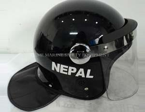 China riot helmet with L shape visor and round visor anchor on sale