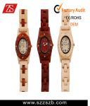 reloj de madera de la moda