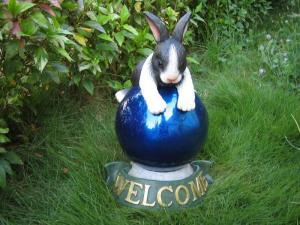 China Rabbit Gazing Ball Stands on sale