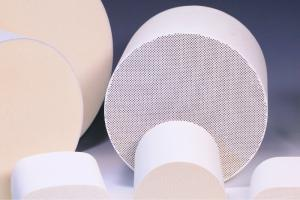 China Solid Catalytic Ceramic Carrier Thermal Shock Resistance , Cordierite Substrate on sale