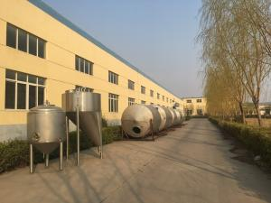 China Large Stainless Steel Brewing Equipment Stainless Fermentation Vessel on sale