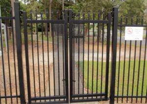 China 2.1mx2.4m Garrison Fencing Panels rail 50mm x 50mm  1.6mm upright 25mm x 25mm wall thick 1.2 with pedestrian gates on sale