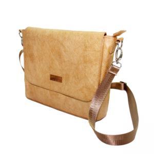 China New Design Casual Washable Shoulder Bag Small Waterproof Shoulder Bag on sale