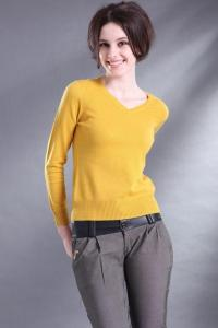 China Elegant V Neck Pullover Sweater Women's , Wool Sweater Womens S - 2XL Size on sale