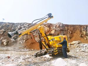 China JC860 Blasting Rock Drilling Rig Hydraulic Down Hole Drill With DTH Technology on sale