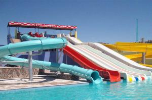 China Commercial Water Park Equipments 15m Lake Pool Water Slides , Open Spiral Slides on sale