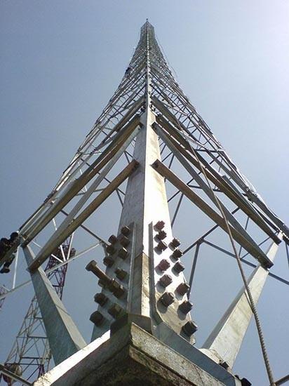 120m Self -supporting 4-legged Lattice Telecommunication