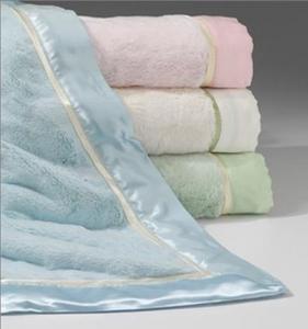 China Custom Print Plain Color Luxury Beach Towel Hotel Towel Satin Border on sale