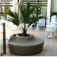 Shopping Mall Flower Pot Decoration Seat Pedestrian Walkway For Park And Leisure Place