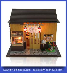 China Diy wooden toy dollhouse big roombox toy 13827 on sale