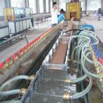 ウィンドウズ の戸枠のための高度のオートメーション ポリ塩化ビニールのプロフィールの放出機械