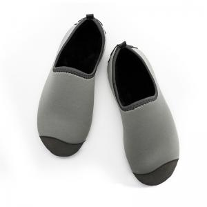 China Short Fluff Adults Winter Fur Shoes Comfortable Non - Slip Soft Pvc Sole on sale