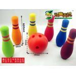 Grupo do brinquedo do boliches das crianças