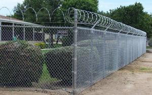 China 1.8m height of Galvanized Cyclone chain wire/ Chain-Link Fence Gate Victoria on sale