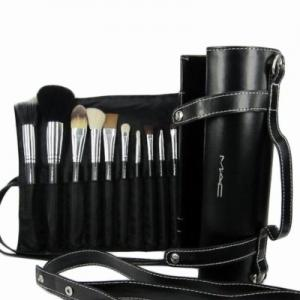 China newly hot sale 16pcs make up brush cosmetics make up brush black color with a role case on sale