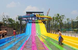 China Adult Water Park Equipment / Outdoor Playground Water Slide Customized Size on sale