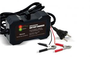 China Lead Acid car battery portable charger 12V , 1.5 electric car battery charger on sale