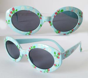 China UV400 Protection AC Lens Children Sunglasses With Printed Strawberry On Frame . on sale