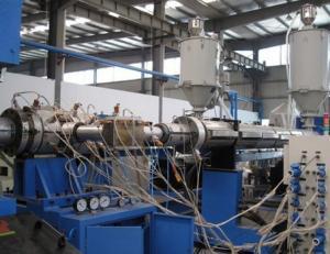 China Línea acanalada de la protuberancia del tubo de la pared doble PE con alta resistencia a la corrosión on sale