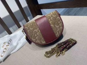 China Coach's latest camera kit  Three zippers in layers is more convenient  Material: oil wax cowhide  on sale