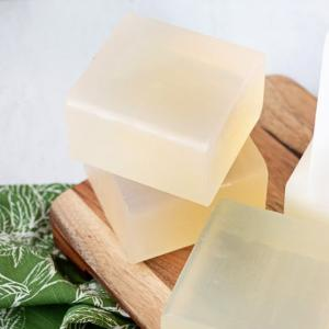 China Handmade DIY Natural FDA Melt And Pour Soap Base on sale