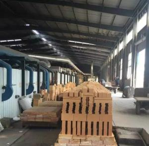 China Industrial Magnesite Furnace Refractory Bricks High Heat For Furnace Slag Zone Purging on sale