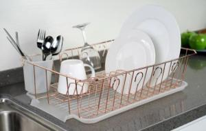 China Item No. DHW 11010 kitchen dish rack with plastic holder and plastic tray, easy clear, for drying dish on sale