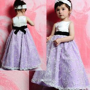China Black Sash Embroidered Skirt Flower Girl Dress 2012 (FL10012) on sale
