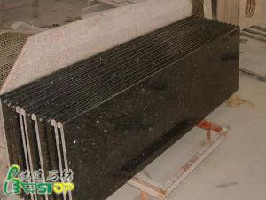 China Encimera prefabricada de la cocina del granito de la mariposa de Verde on sale