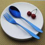 Los platos y cubiertos azules de los cubiertos de Newto NC560 ORI fijaron/los cubiertos coloridos