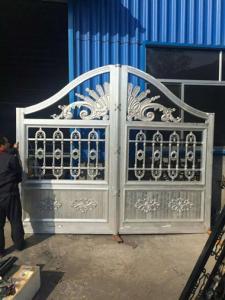 China Eco Friendly House Cast Iron Gates / Antique Wrought Iron Garden Gates on sale