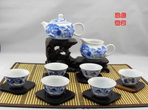China Famous Chinese Blue And White Porcelain Tea Sets With 500ml Jingdezhen Teapot on sale